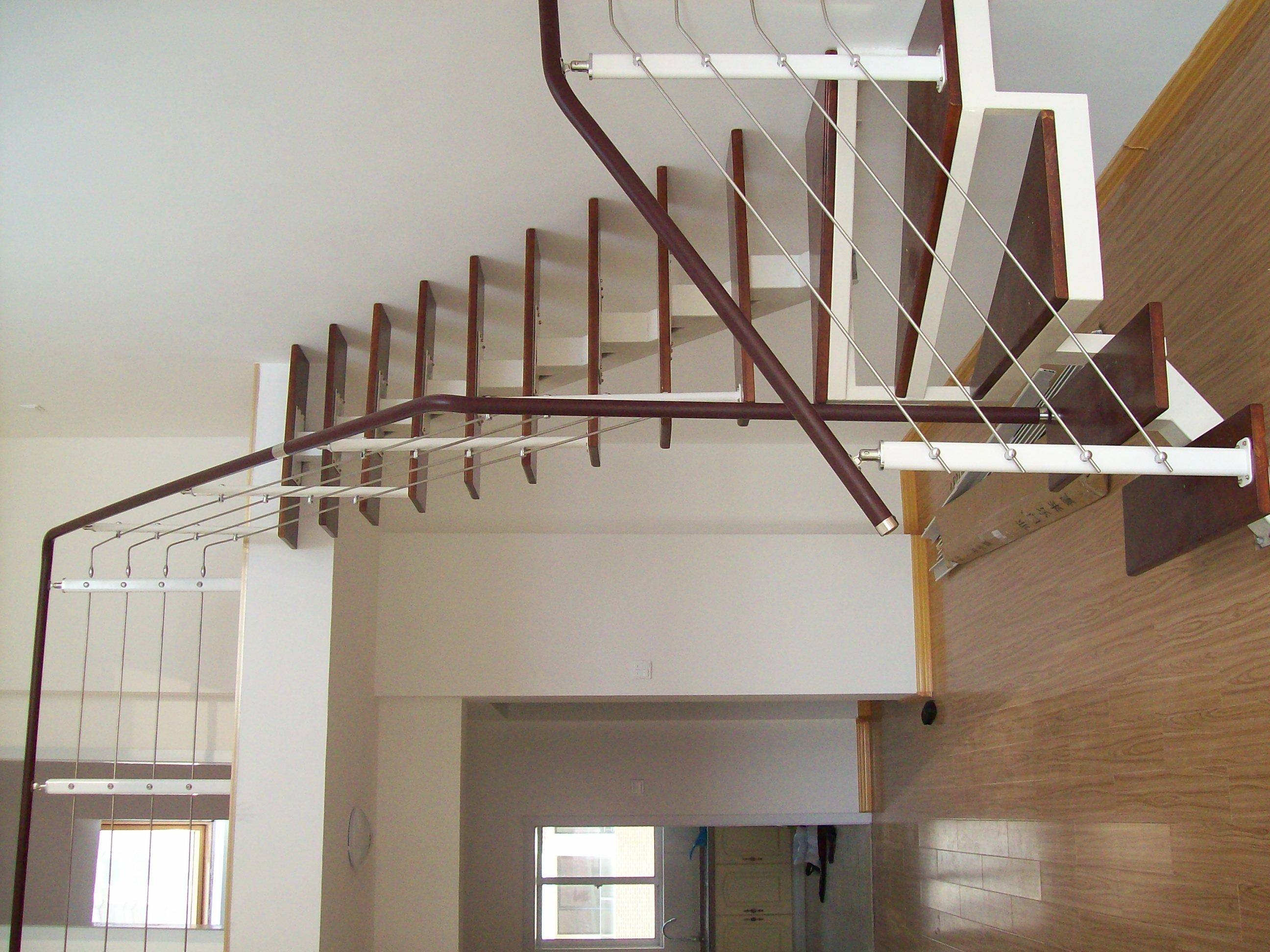 三层楼楼梯设计图片展示