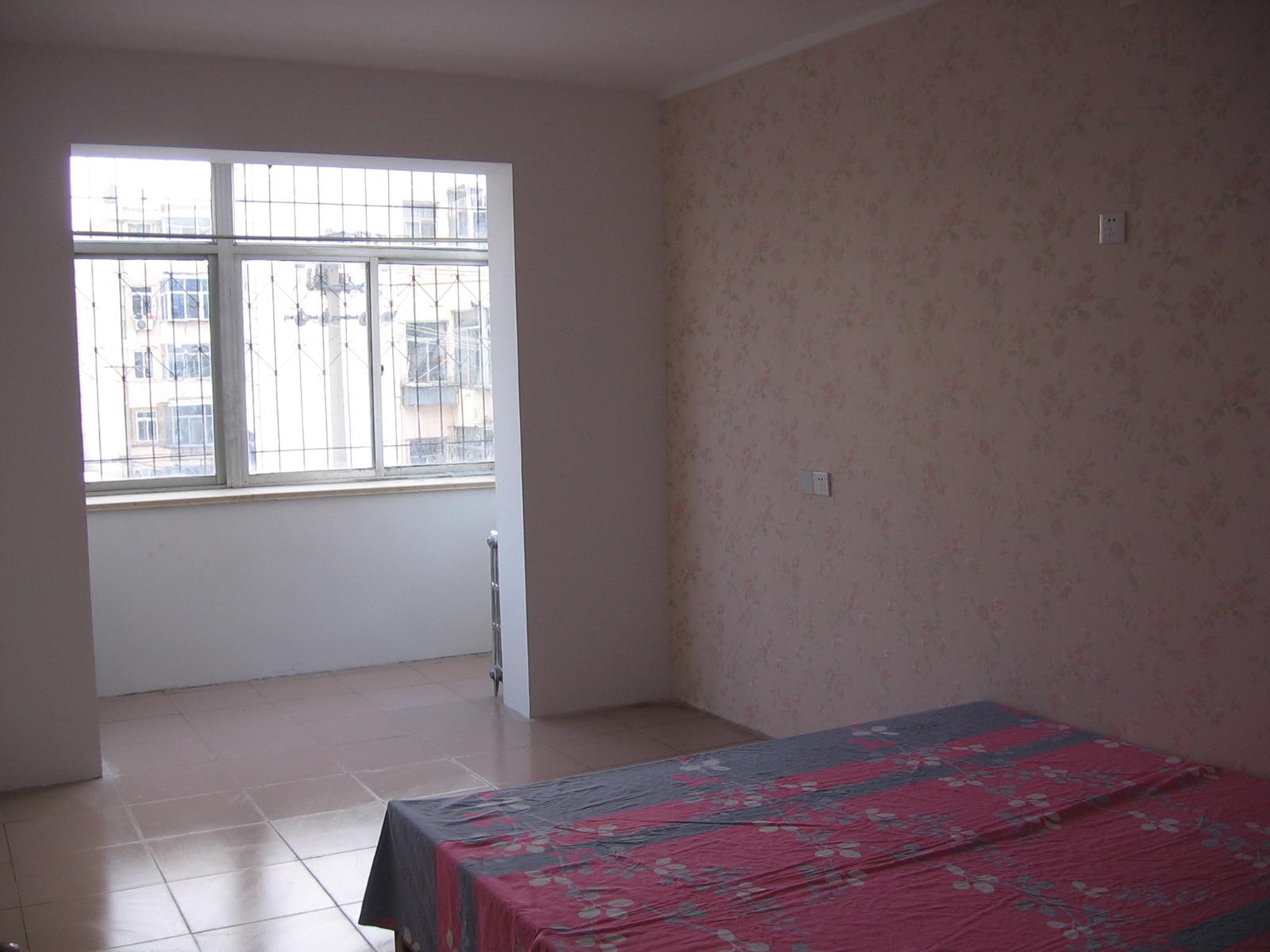 芝罘区幸福河三室两厅3楼81平米西大头精装修63.8万